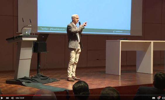 Vortrag von Franz-Josef Baldus zum Thema Snack-Content auf einer Veranstaltung der IHK Köln