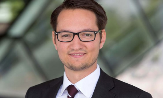 Julian B. Hoffmann, Porsche AG, zum Thema Snack-Content